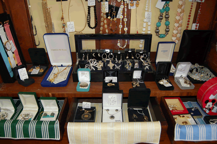 Livys Closet in Clifton Forge, Virginia Upscale Consignment Take a Peek July 2014 jewelry